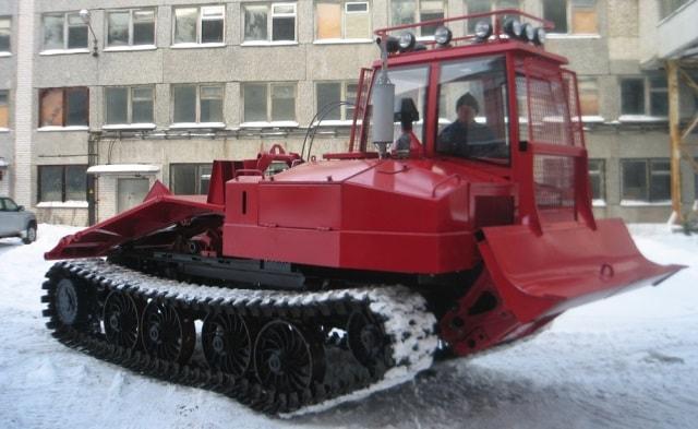 Трелевочный трактор Онежец-320
