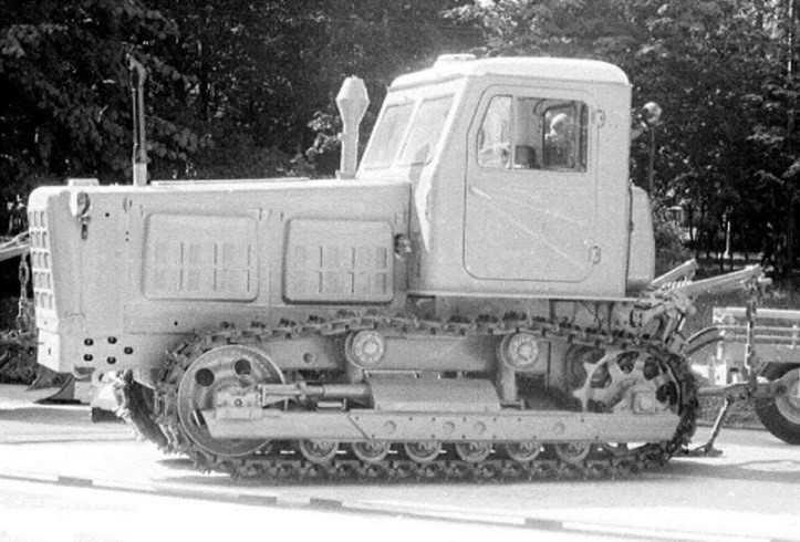 Купить гусеничный трактор т-4